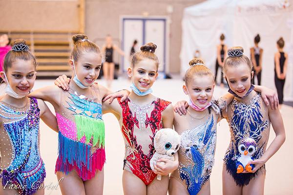 Les cinq gymnastes en compétition nationale à Calais